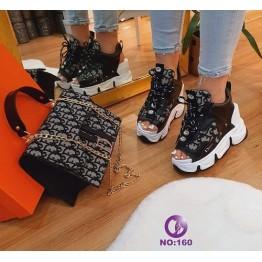 Дамска чанта и сандали