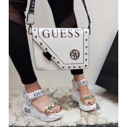Дамска чанта и чехли